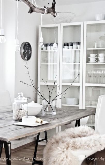 Mesas de comedor estilo escandinavo estilo escandinavo - Como decorar una vitrina ...