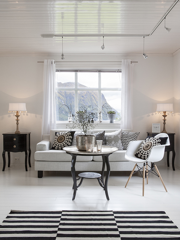 Casa blanco y negro 03 estilo escandinavo - Casas decoradas en blanco ...