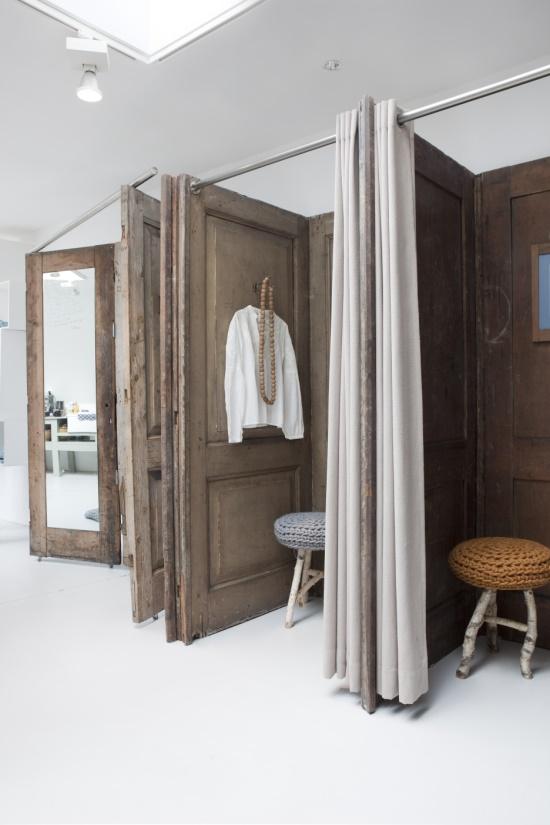 Reutilizar puertas de madera antiguas estilo escandinavo for Estilos de puertas de madera