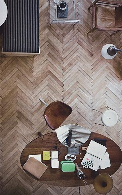 Suelos de madera en espiga estilo escandinavo for Suelos laminados en forma de espiga
