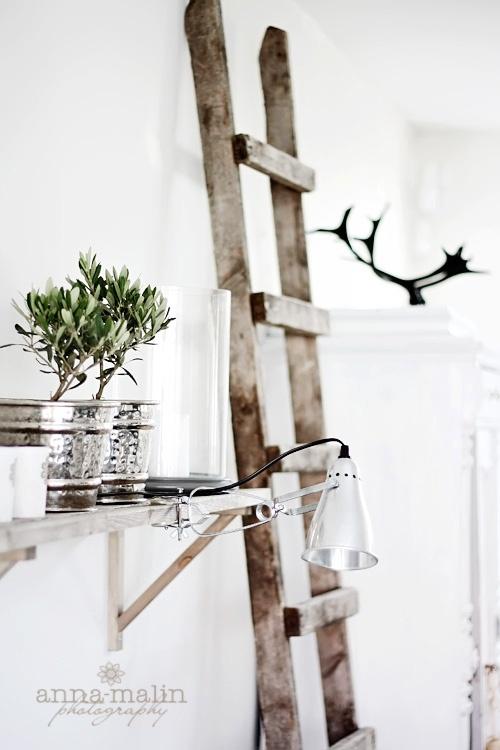 Reutilizar escaleras de madera para decorar estilo for Escaleras de madera para decorar