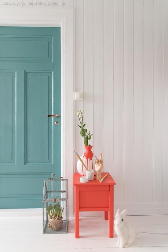 Puertas interiores de colores estilo escandinavo for Puertas pintadas originales