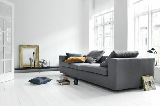 Sof gris una pieza atemporal estilo escandinavo - Salones con sofa negro ...