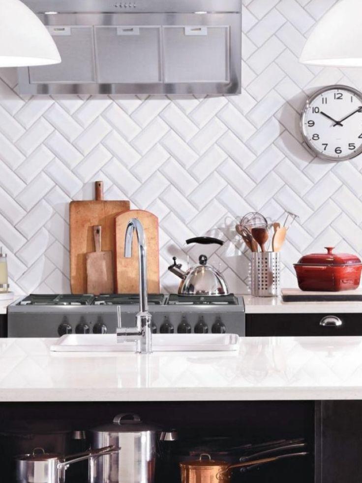 Azulejos biselados en la cocina estilo escandinavo for Restaurante azulejos