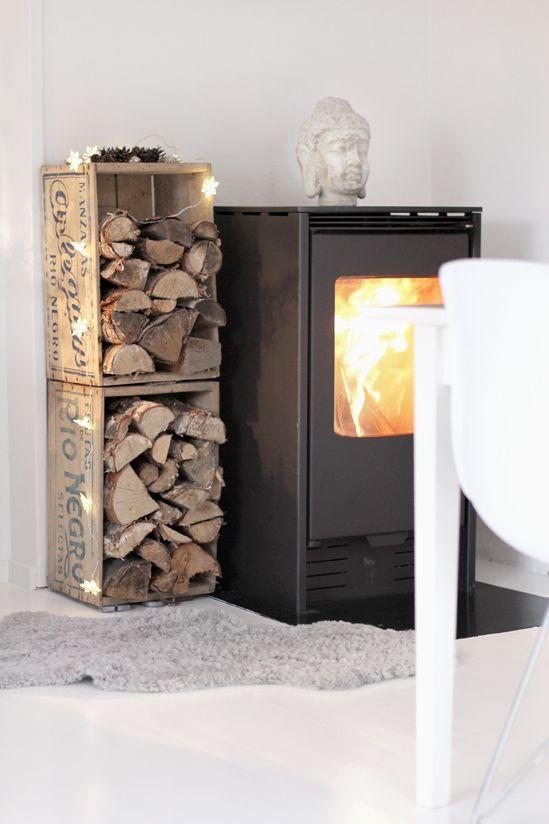 bonitos rincones para almacenar la le a estilo escandinavo. Black Bedroom Furniture Sets. Home Design Ideas
